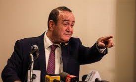 Alejandro Giammattei se lava las manos y dice que ya no luchara contra el covid-19